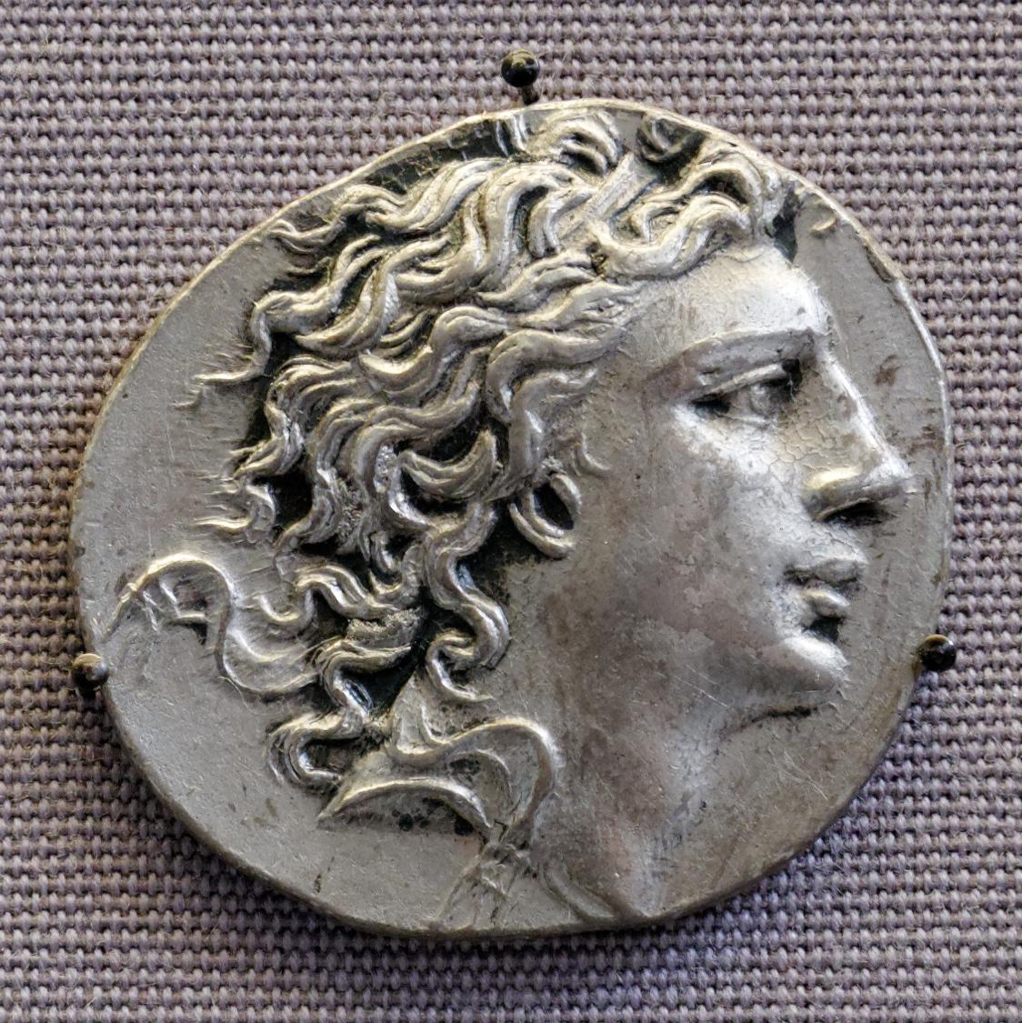 Монета с портретом Митридата VI