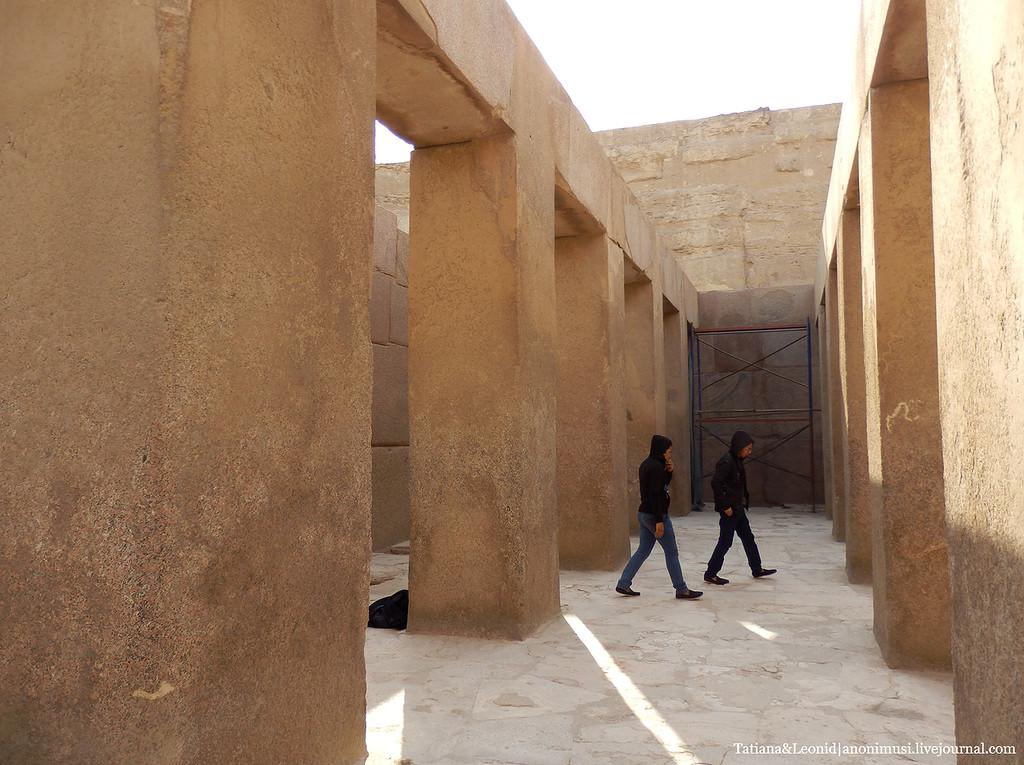 Тайна изогнутых камней: тысячелетний Храм Хефрена