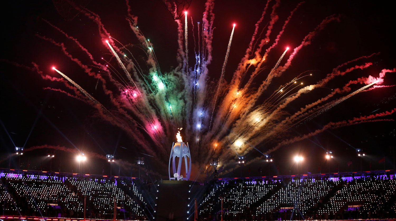 Pyeongchang 2018 Winter Paralympics - Opening ceremony - Pyeongchang Olympic Stadium - Pyeongchang, South Korea - March 9, 2018 - The Paralympic flame is seen during fireworks at the opening ceremony. REUTERS/Paul Hanna - RC12FF3DB850