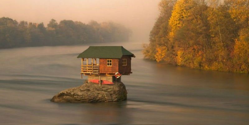 lonelyhouses161