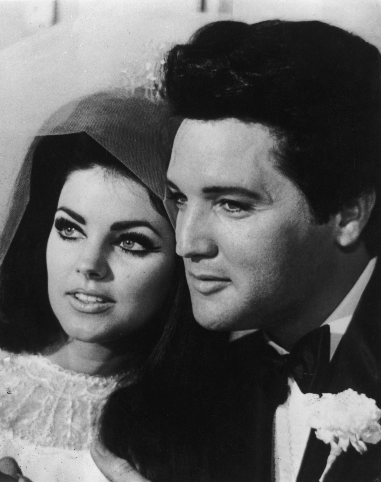 1st May 1967:  American rock n' roll singer and actor Elvis Presley (1935 - 1977) with his bride Priscilla Beaulieu after their wedding in Las Vegas.  (Photo by Keystone/Getty Images)