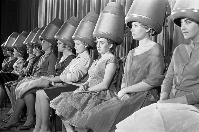 Какими были женщины советского времени: домохозяйка или рабочий