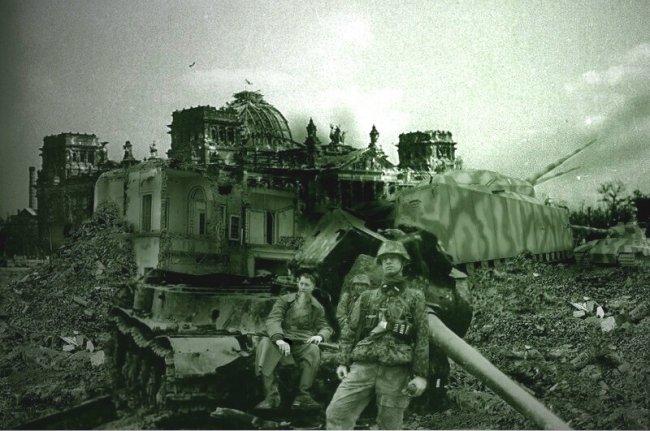 """Подлинное немецкое фото """"Сухопутного крейсера"""" Р-1000 Ratte (Крыса)"""