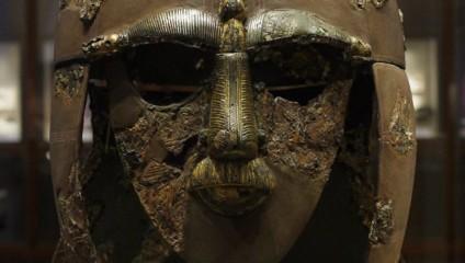 История в деталях: самые удивительные шлемы