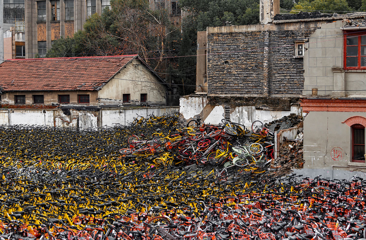 Shanghai/China/02.01.2018: Broken Bicycles dump. (Elizaveta Kirina / Shutterstock)