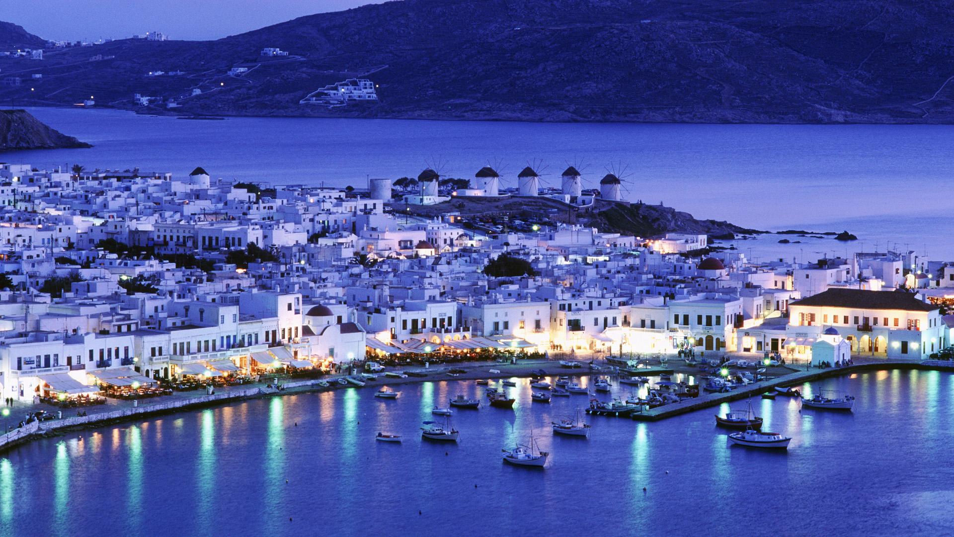Mykonos Town, Mykonos, Greece --- Mykonos --- Image by © ML Sinibaldi/CORBIS