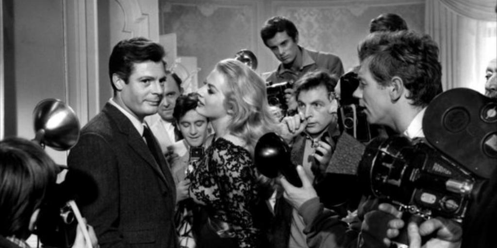 Марчелло Мастроянни и Анита Экберг на съёмках «Сладкой жизни», 1960 год