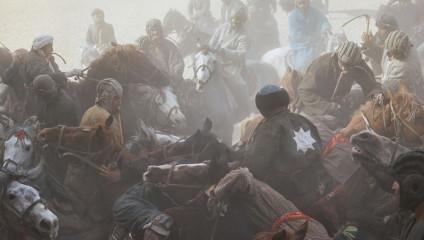 Древняя игра воинов - бузкаши: фото Балаза Гарди