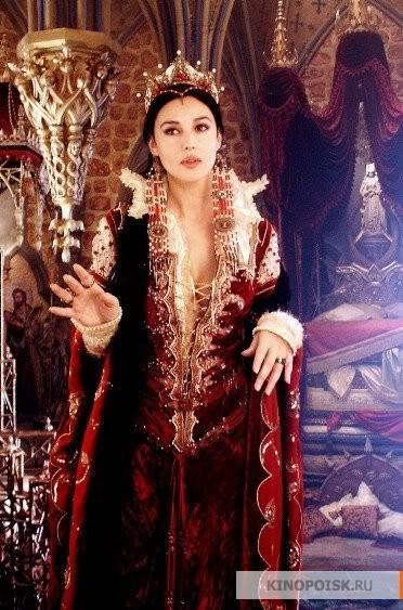 Зеркальная Королева (Моника Беллуччи)
