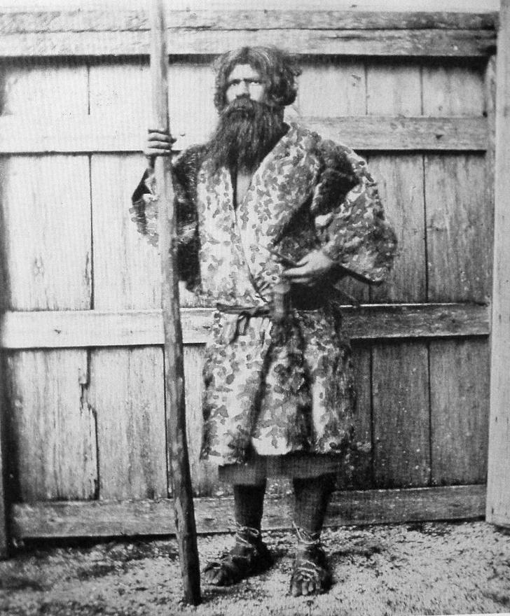 Представитель айнов — коренного населения Японии. 1880 год