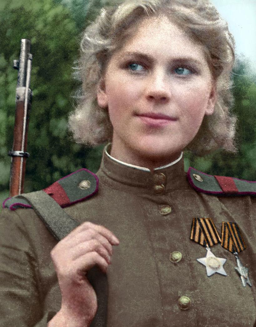Советский снайпер Роза Шанина, первая женщина, которая стала кавалером ордена Славы