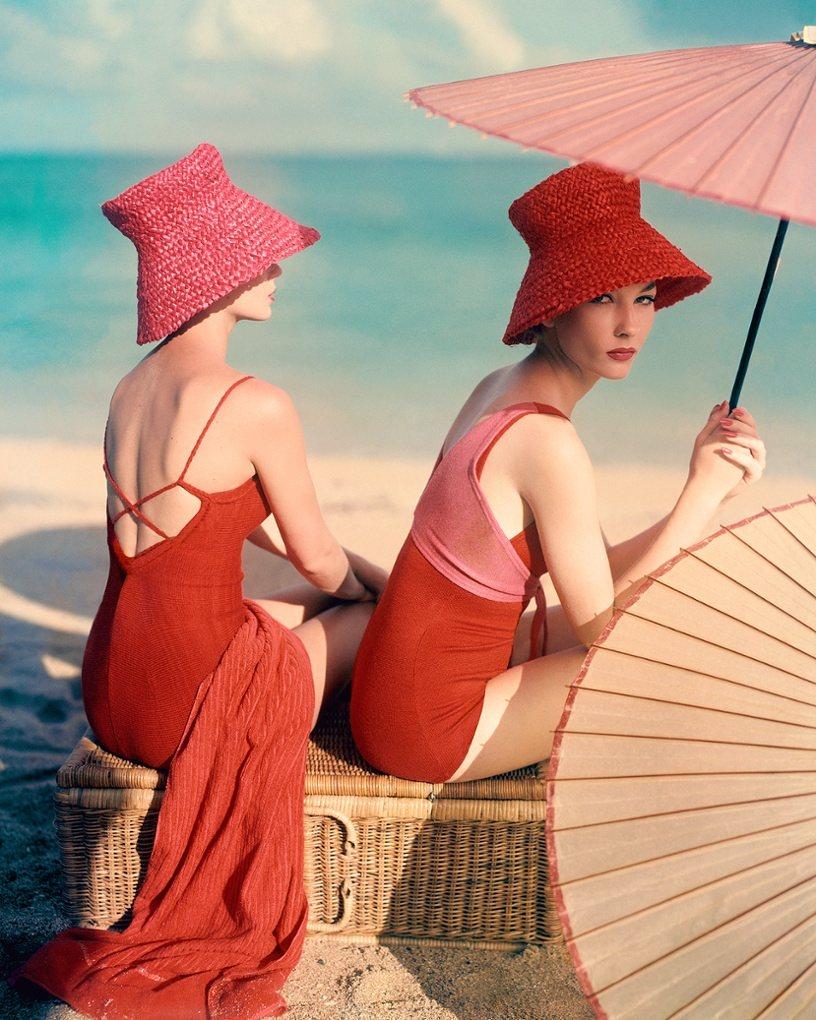 Красный Зонтик, 1963 Фото: Луиза Даль-Вульф