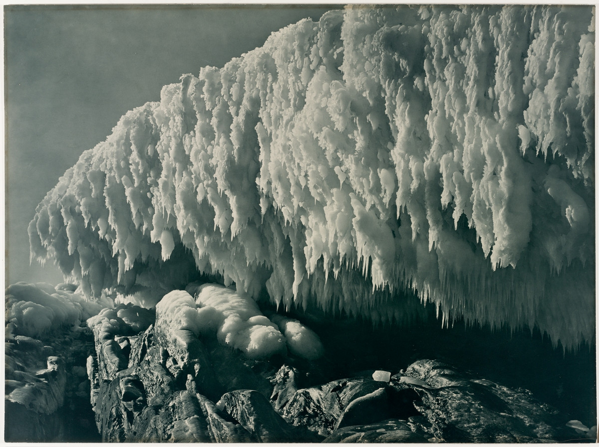 Antarctica_1911_fotograf_Frank_Hurley_10