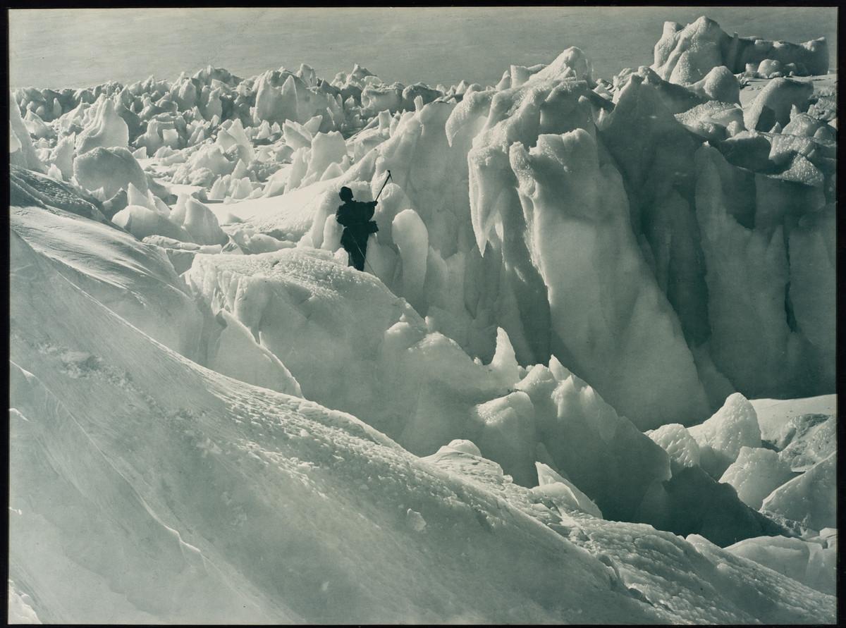 Antarctica_1911_fotograf_Frank_Hurley_11