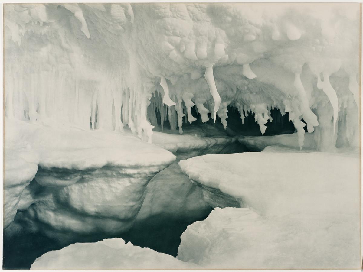Antarctica_1911_fotograf_Frank_Hurley_12