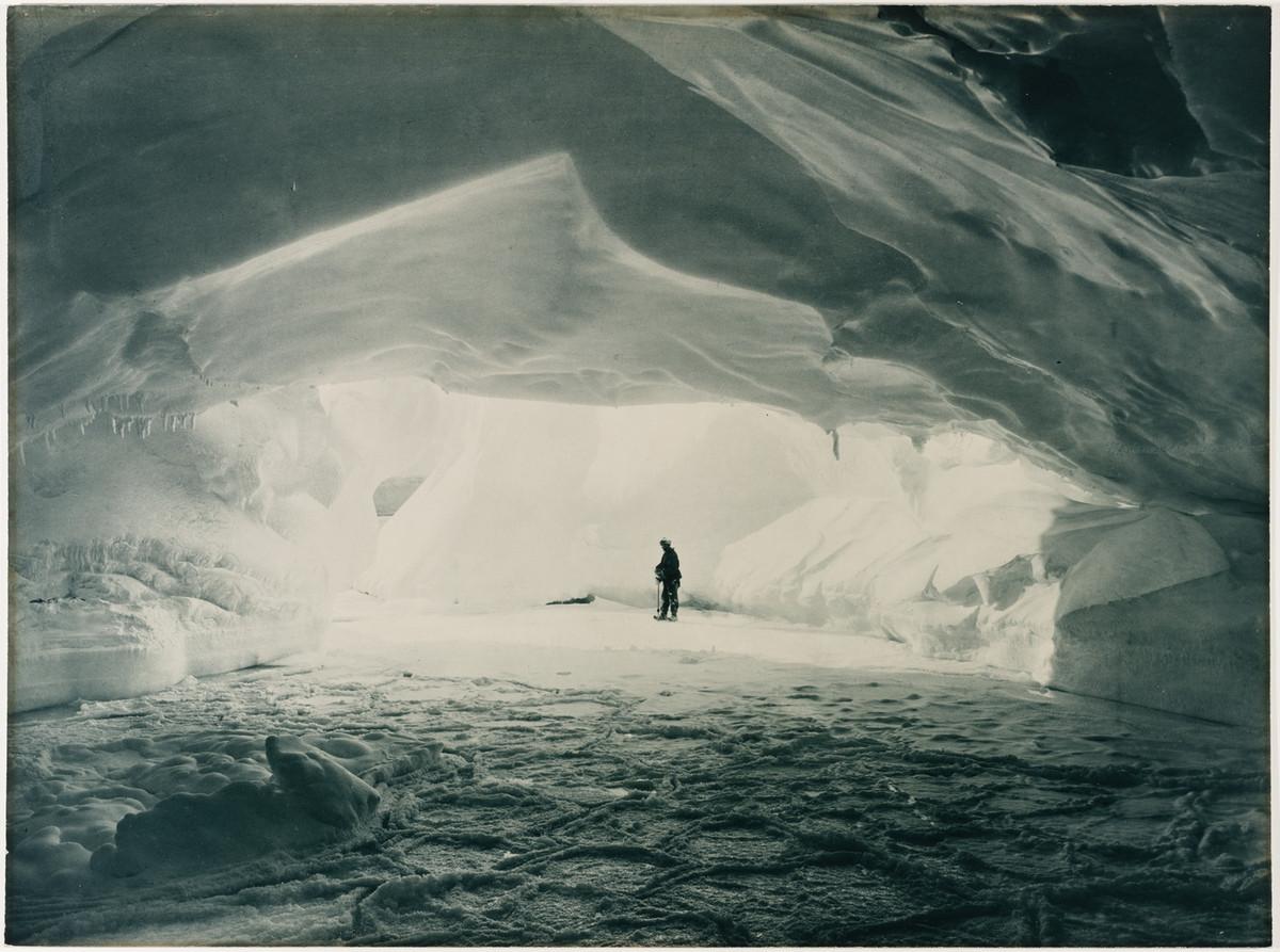 Antarctica_1911_fotograf_Frank_Hurley_13