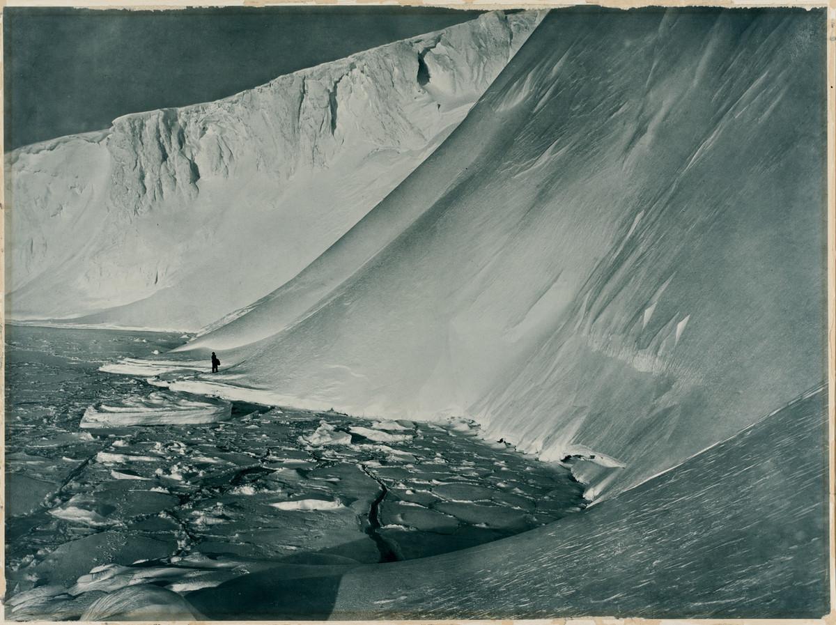 Antarctica_1911_fotograf_Frank_Hurley_24