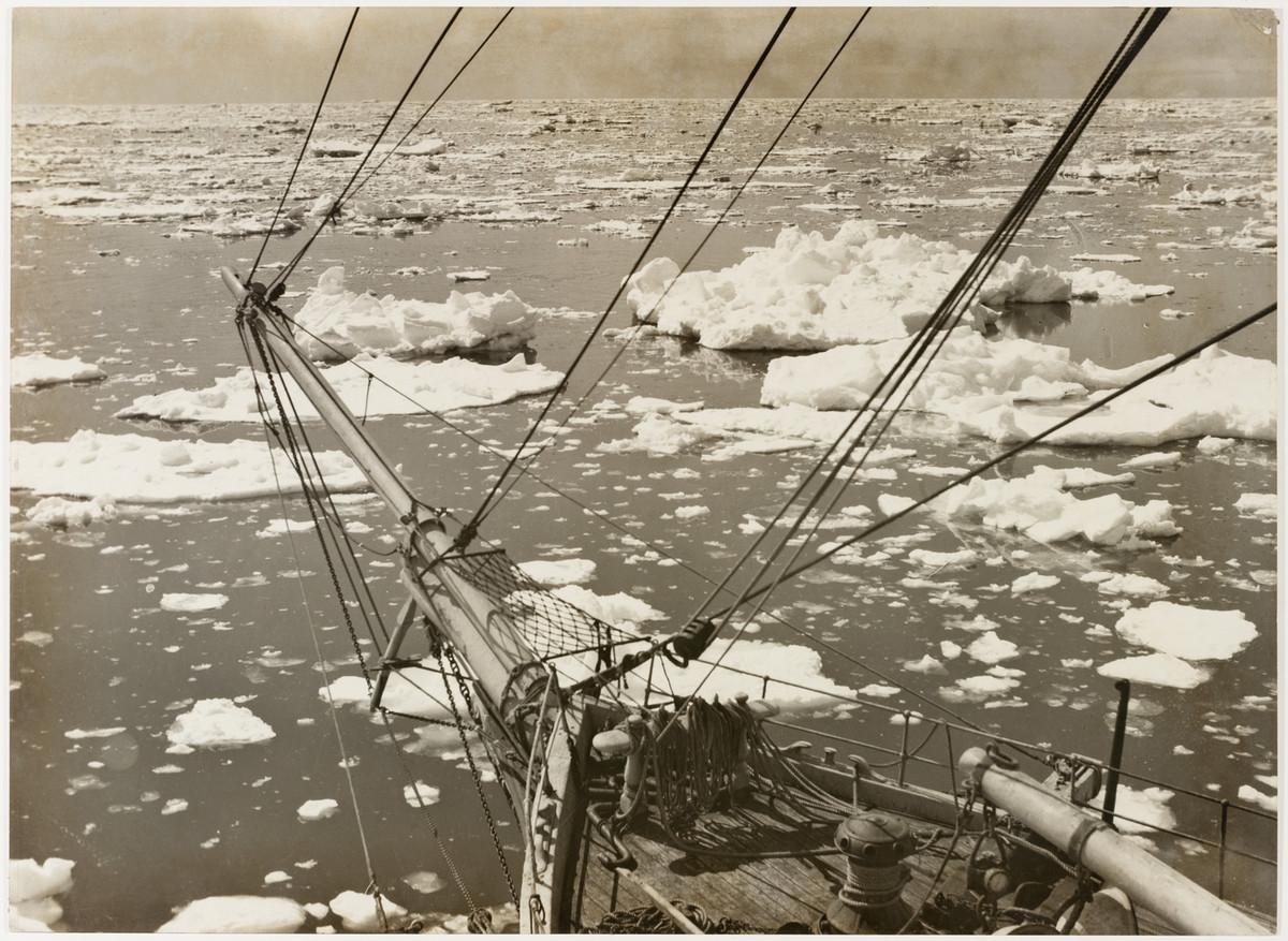Antarctica_1911_fotograf_Frank_Hurley_42