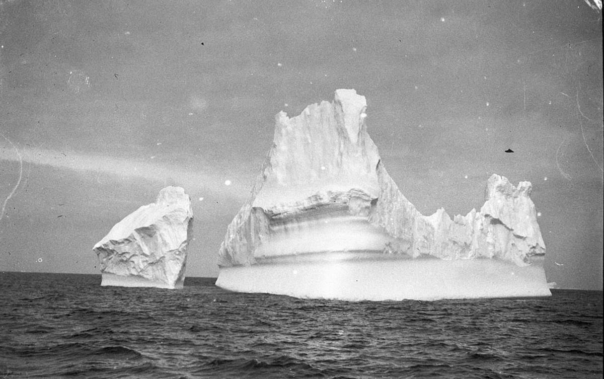 Antarctica_1911_fotograf_Frank_Hurley_43