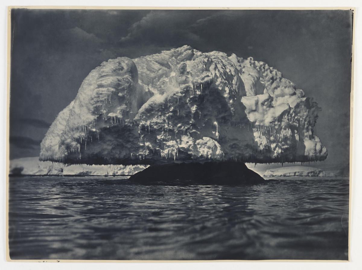 Antarctica_1911_fotograf_Frank_Hurley_58