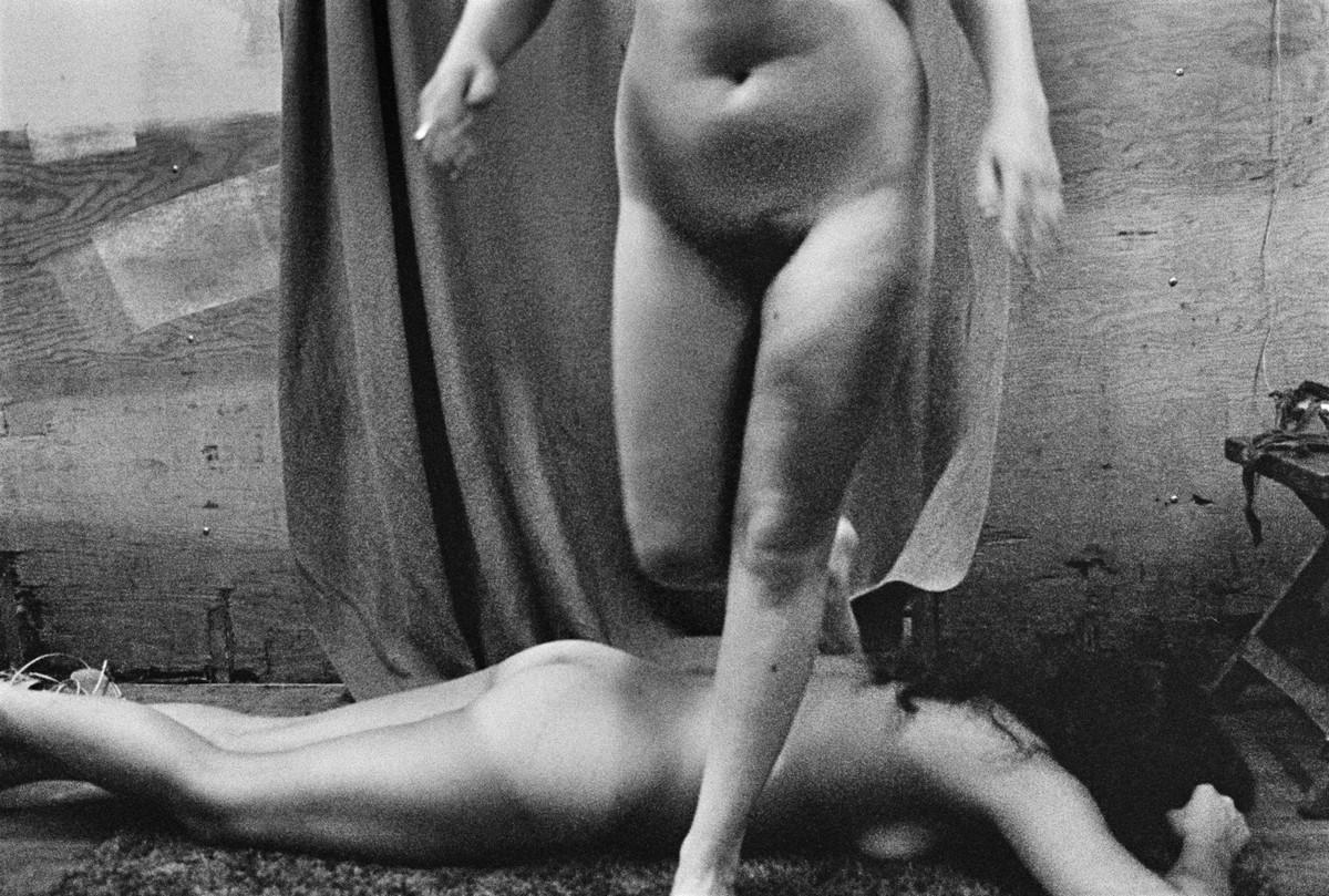 Karnavalnye-striptizershi-Fotograf-Syuzen-Meyzelas_14