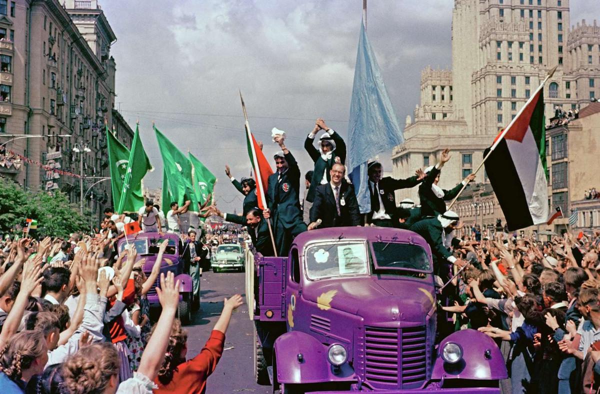 festival_molodezhi__studentov_Moskva_1957.jpg_1