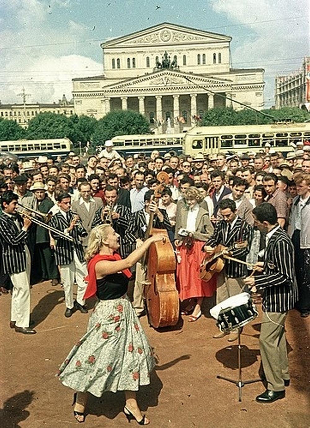 festival_molodezhi__studentov_Moskva_1957.jpg_14