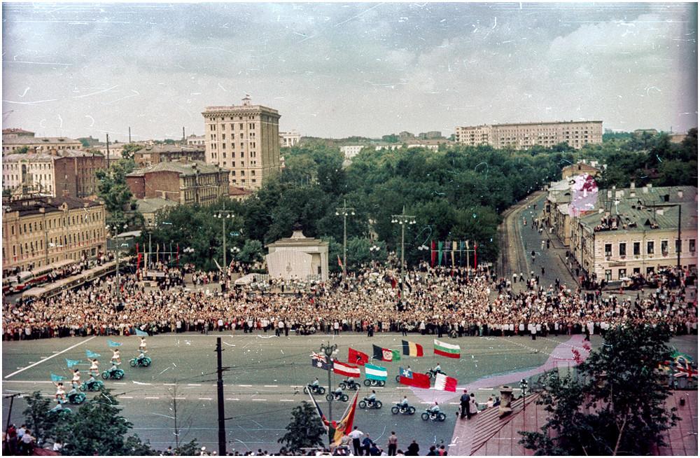 festival_molodezhi__studentov_Moskva_1957.jpg_18