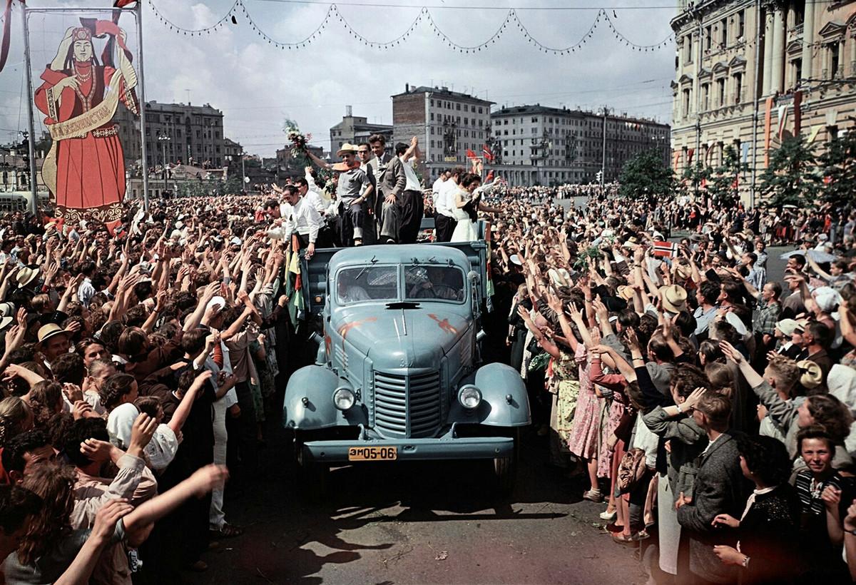 festival_molodezhi__studentov_Moskva_1957.jpg_20