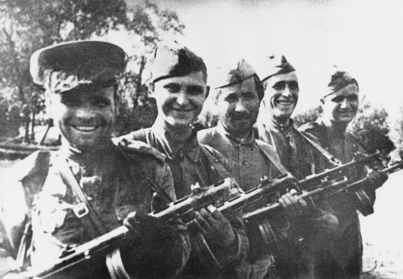Группа бойцов Красной Армии, первыми вышедших на государственную границу СССР с Восточной Пруссией