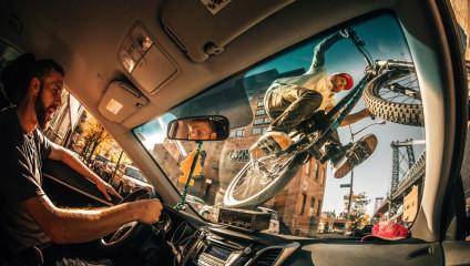 Вспоминая 2016: экстрим-фото с международного конкурса Red Bull Illume