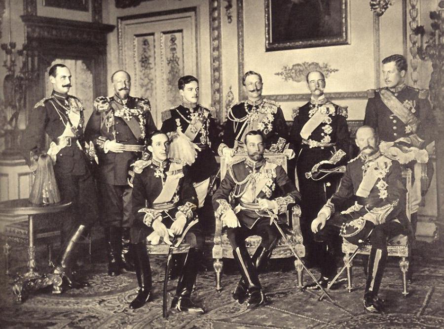 9 монархов на одной фотографии