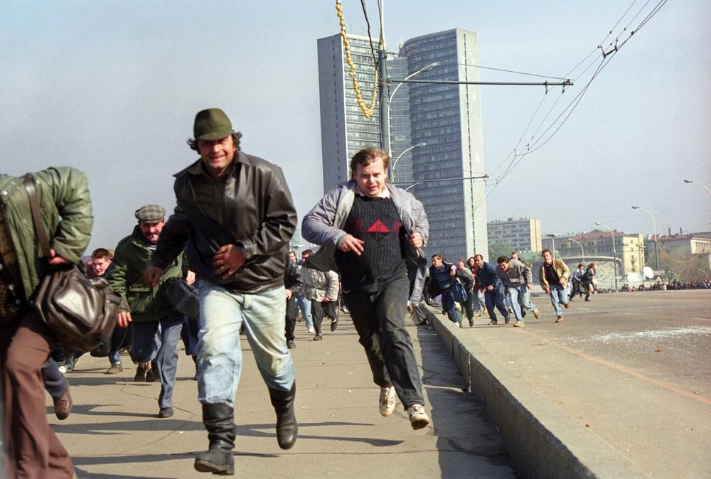 Гражданская война 1993 года: ради чего погибло более сотни людей?