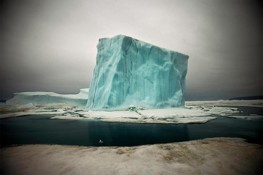 Из книги о таянии арктических ледников. Первое место в общем конкурсе.