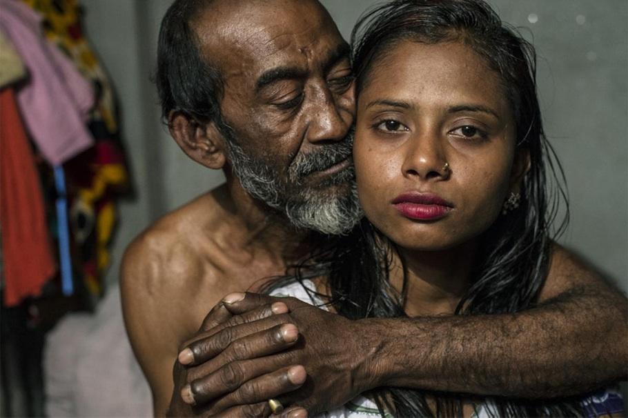Из серии о проституции в Бангладеш. Первое место в категории «Репортаж: Фотоэссе».