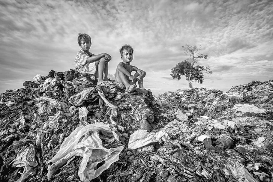 Из серии «Дети раненой планеты». Третье место в категории «Репортаж: Окружающая среда».