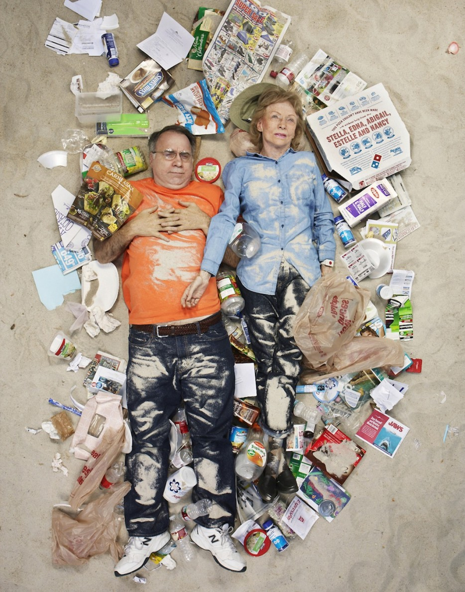 Фотосессия в собственном мусоре: для чего и как это ощущается?
