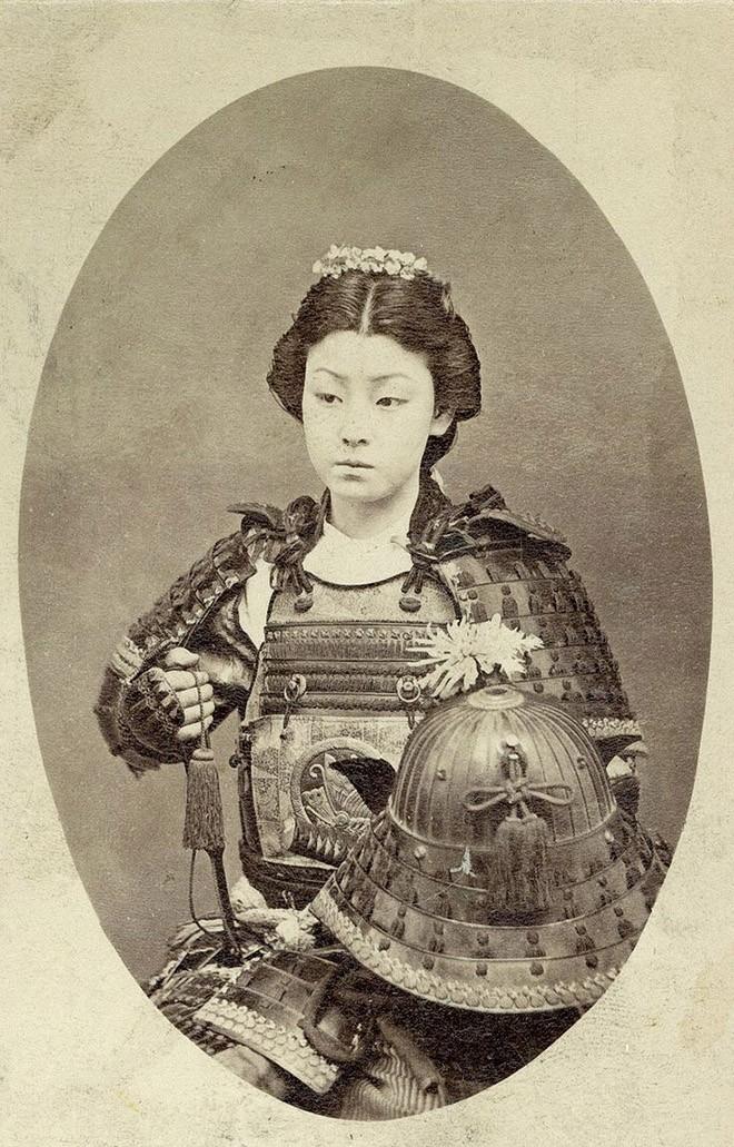 Женщина-самурай. Конец 1800-х