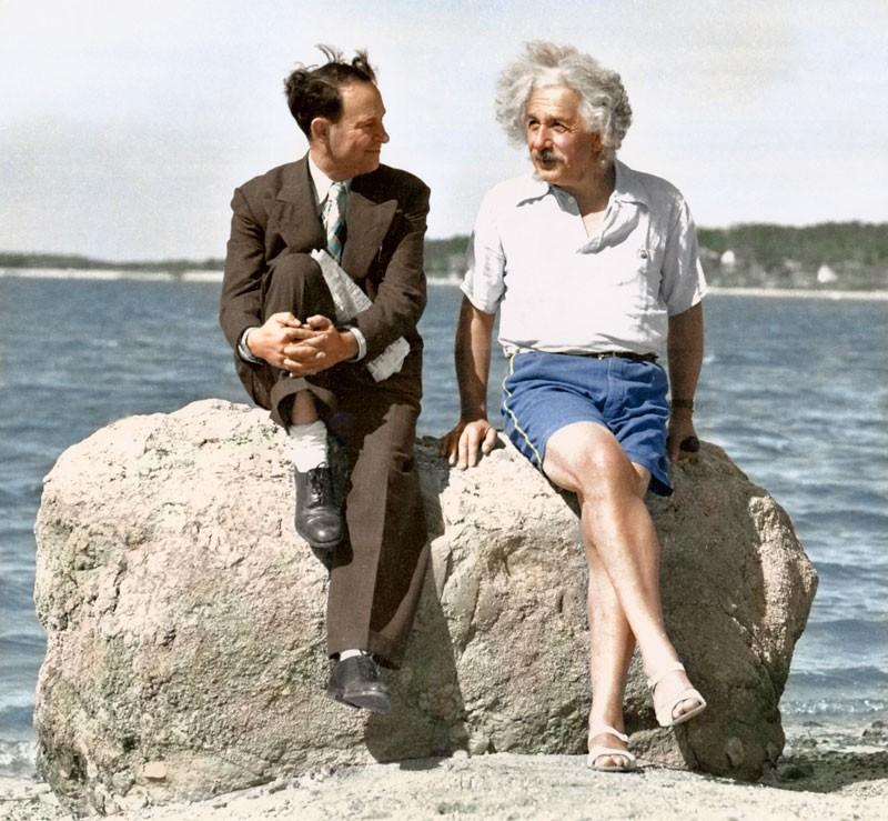 Альберт Эйнштейн на пляже в Лонг-Айленде. 1939 год