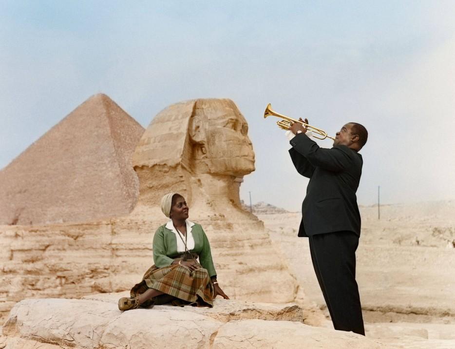 Луи Армстронг играет для жены. Каир (Египет). 1961 год