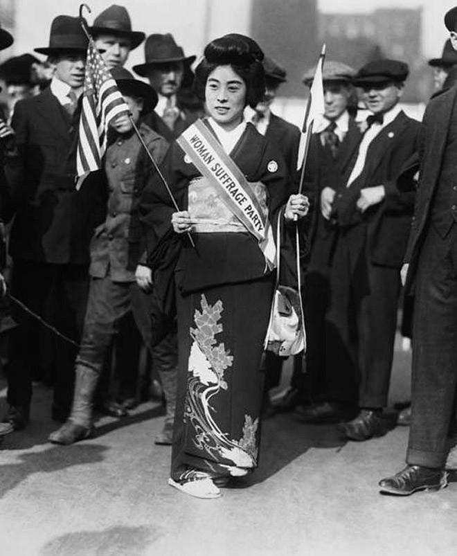 Комако Кимура, известная суфражистка, в Нью-Йорке. 23 октября 1917 года. Суфражистки - участницы движения за предоставление женщинам избирательных прав. Также суфражистки выступали против дискриминации женщин в целом в политической и экономической жизни