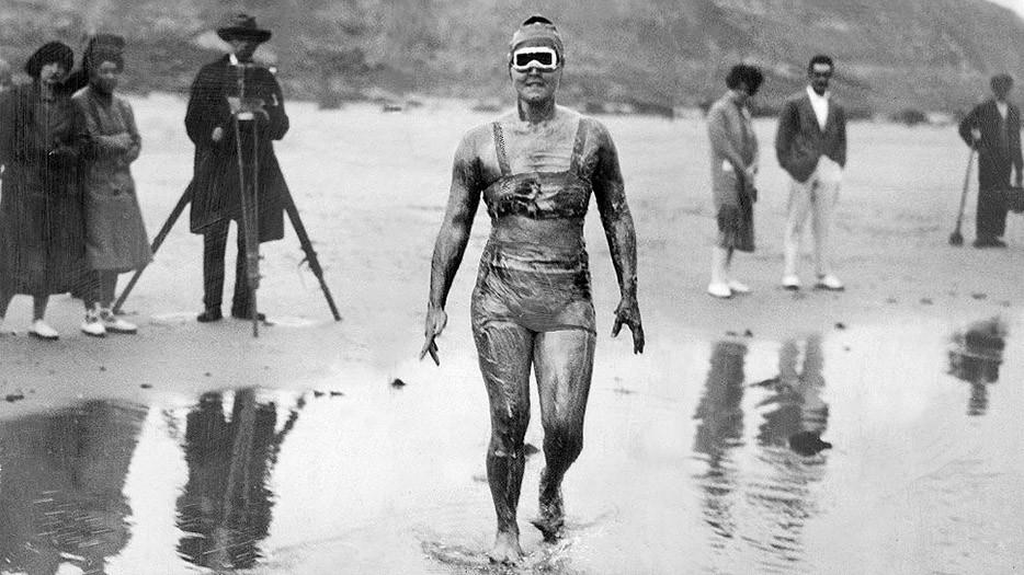 Гертруда Эдерле стала первой женщиной, переплывшей Ла-Манш. 1926 год