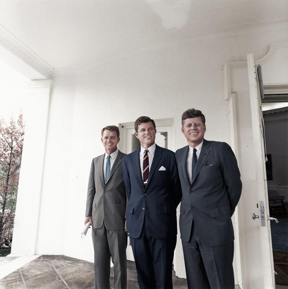 Братья Кеннеди за пределами Овального кабинета