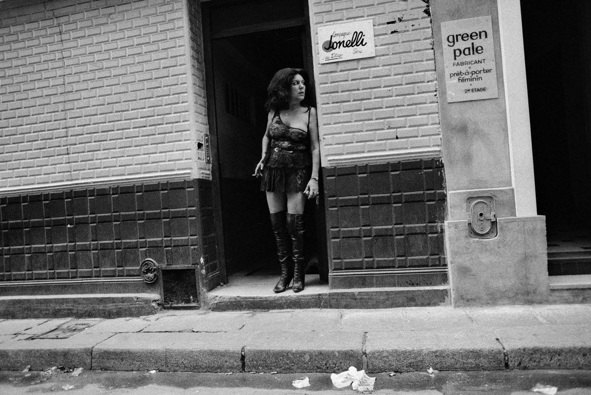 ulitsa-Sen-Deni-Fotograf-Massimo-Sormonta_10