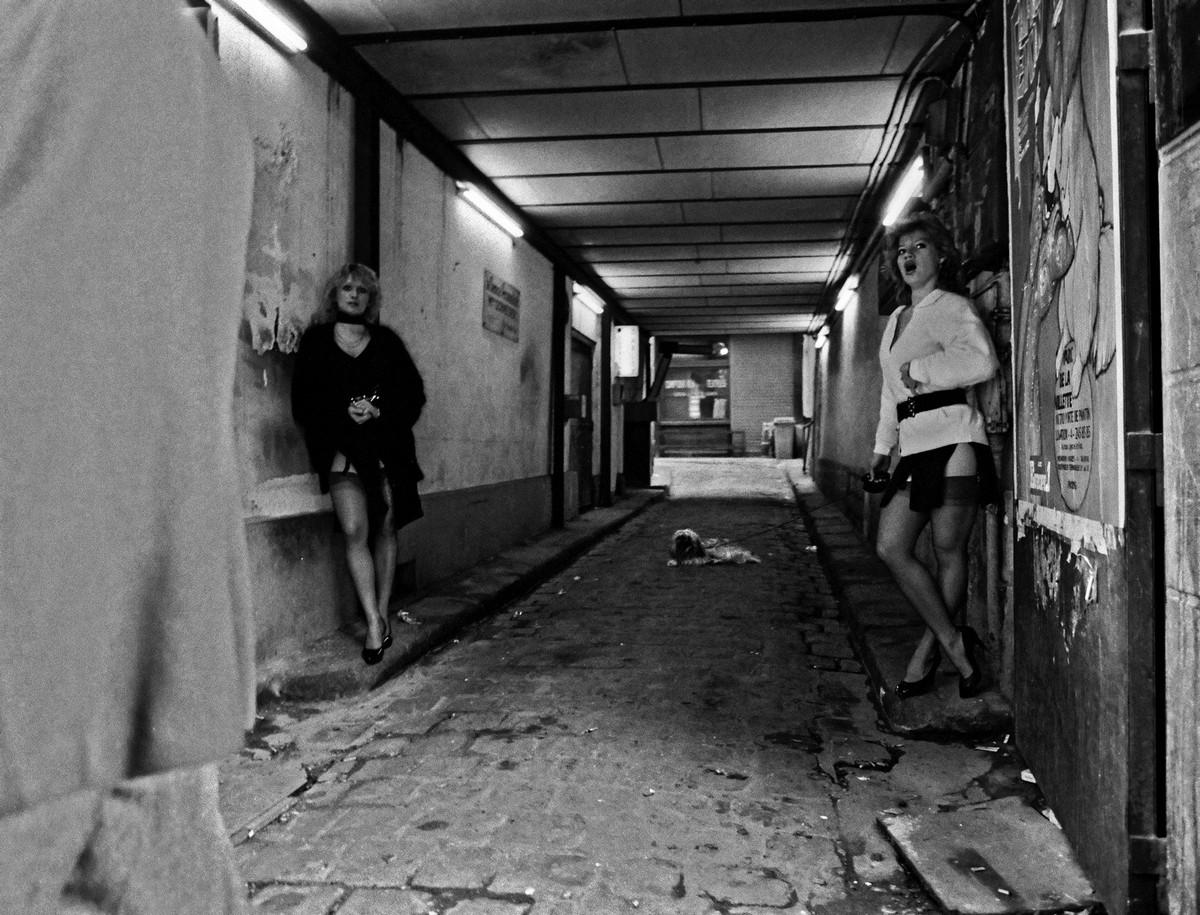 ulitsa-Sen-Deni-Fotograf-Massimo-Sormonta_11