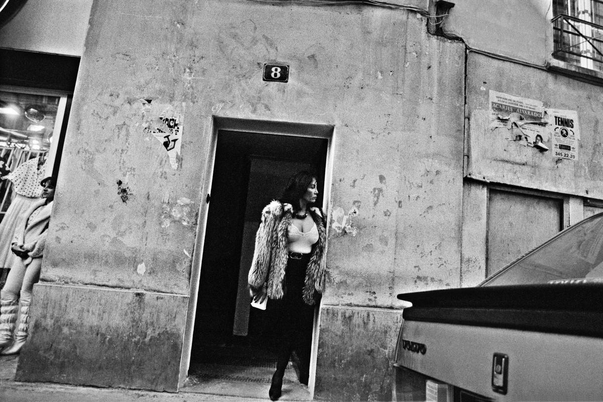 ulitsa-Sen-Deni-Fotograf-Massimo-Sormonta_14