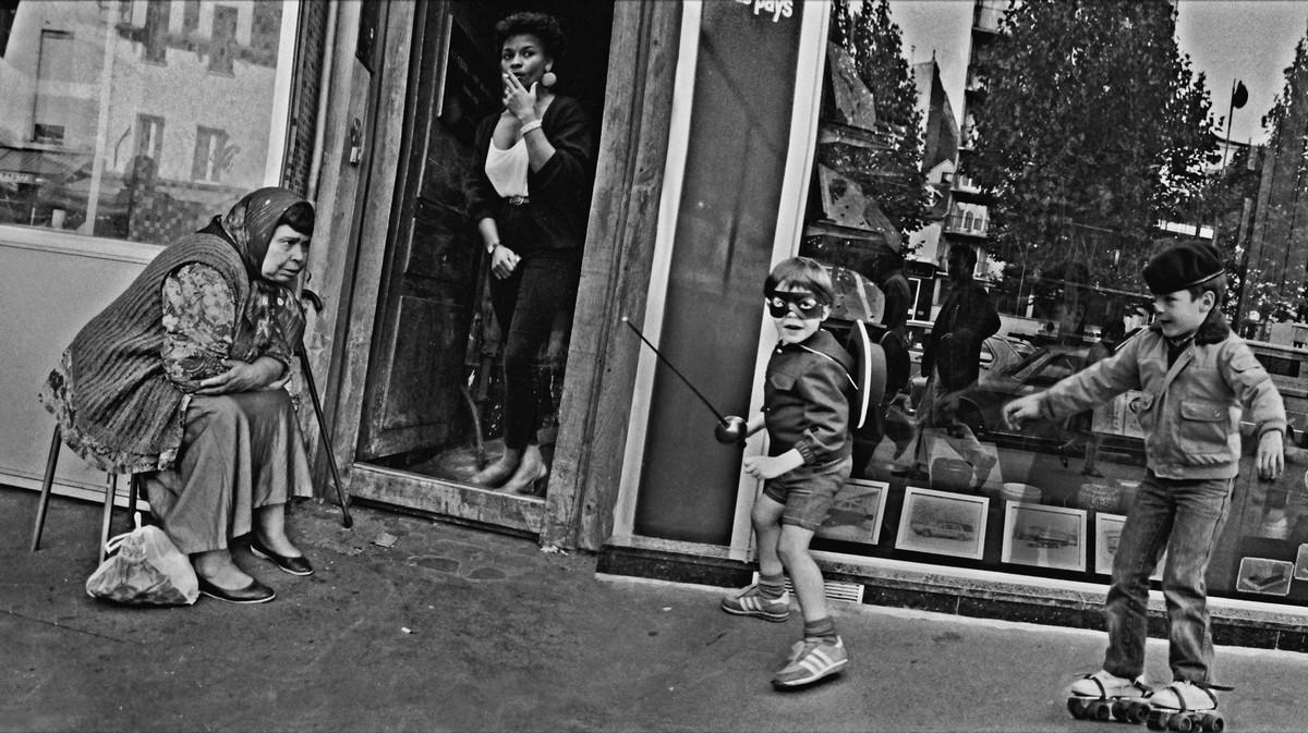 ulitsa-Sen-Deni-Fotograf-Massimo-Sormonta_16