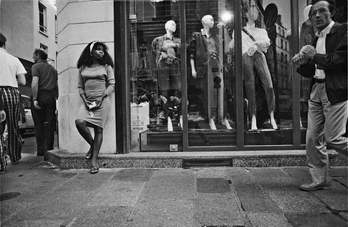ulitsa-Sen-Deni-Fotograf-Massimo-Sormonta_19