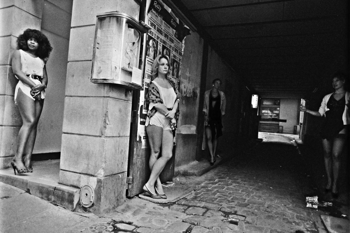 ulitsa-Sen-Deni-Fotograf-Massimo-Sormonta_22