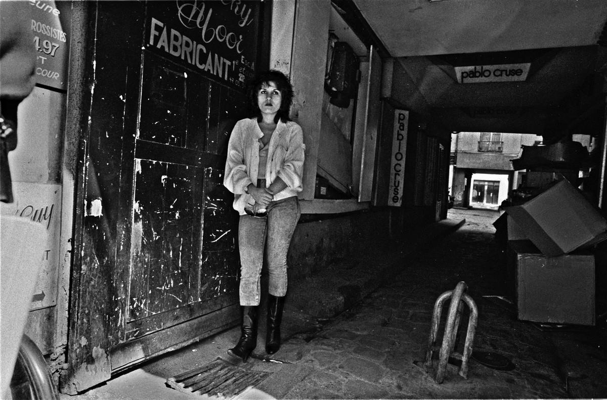 ulitsa-Sen-Deni-Fotograf-Massimo-Sormonta_46